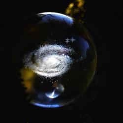 • ~ La Rallumeuse D'Étoiles ~ •   Je crois qu'il est temps pour nous de décoller..🚀  Vous êtes prêt ?   Je vous emmène avec moi au cœur de notre univers 🌌   Je vous ai préparé quelques fragments de cosmos, des nébuleuses aux reflets magiques, de petites planètes à explorer, des rencontres mystérieuses, des étoiles éclatantes à rallumer toutes une à une et des souvenirs lunaires qui n'attendent plus que vous 🪐   La nouvelle collection est disponible dès à présent en ligne sur la boutique  https://cy-bijoux.fr 🌌   Elle vous appartient maintenant et j'espère de tout coeur qu'elle vous plaira et qu'elle vous transportera, ailleurs, dans cette immensité qui me fascine tant ✨   Merci de voyager avec moi, dans les étoiles 🌟  Belle soirée à tous  Cy 🌙  #cybijoux #space #espace #moon #lune #creatricefrancaise #aurora #newcollection #pleinelune #newmoon #garden #blackmoon #labradorite #opaljewelry #artisanatfrancais #opal #packaging #nebuleuse #planet #lunaire #spatial #exploration #bague #labradoritestones #labradoritestones #smallbusiness #cosmos