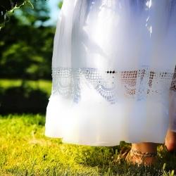 • ~ Nouvelle collection ~ •   Bonsoir à tous,   Après cette parenthèse étoilée, je crois qu'il temps pour nous de vagabonder sur de nouveaux chemins..🌈  Le soleil m'accompagne, l'herbe chaude danse sous mes pieds et l'odeur de l'été commence à se faire sentir ☀️  Je prépare déjà notre nouveau périple et j'ai hâte de vous en montrer ses premiers trésors 🌼  Mais où allons nous nous égarer cette fois-ci ? 🍃  #cybijoux #creatricefrancaise #artisanatfrancais #newcollection #nature #green #voyage #travel #metalsmith #jewelry #jewels #france #boheme #bohemian #hippies